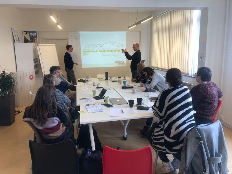 Verhalenmakers stelt opleidingen van maart uit tot najaar